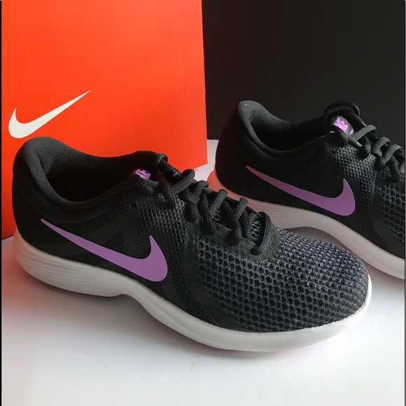 discount shop best online various styles Nike black with purple Running shoe 7 NWT in box NWT
